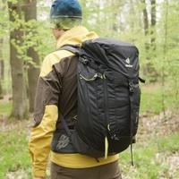 6eb90f3adc Predstavenie Deuter Trail 30 – batoh na turistiku aj ferraty Menšie turistické  batohy zvyknú kvôli šetreniu hmotnosti trpieť krátkym a málo stabilným ...