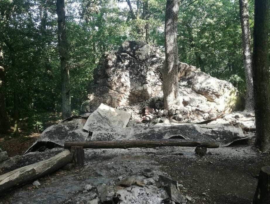 Zrub zhorel – foto Priesil